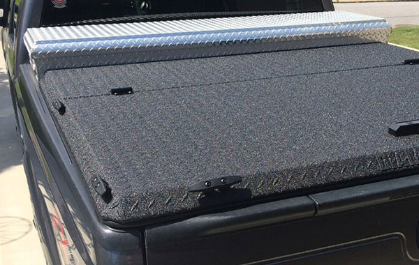 "<img src=""truck-bed-toolbox-2.jpg"" alt=""black pickup truck with silver toolbox"">"